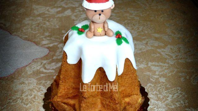 Dolci natalizi: pandoro decorato