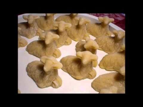 Pecorelle pasquali di pasta di mandorle